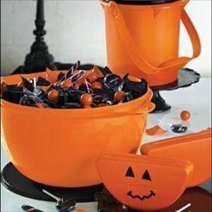 Brand New Tupperware Halloween Mega Bowl